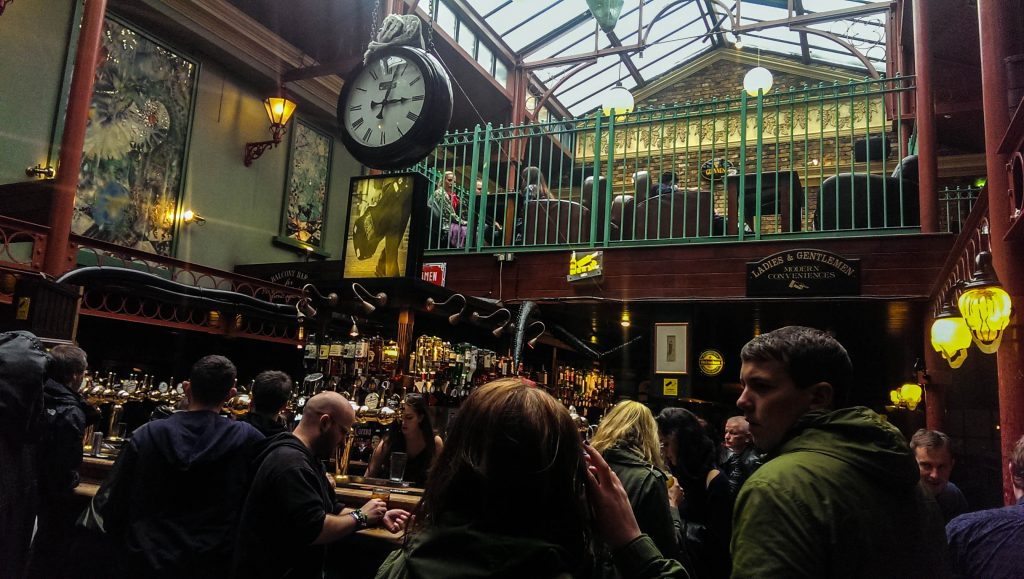 Camden Town - The World's End Pub - Inside 2